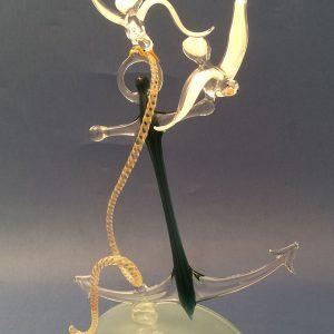 Verrerie d'art nautique - Sculpture en verre ancre marine deux mouettes - Corps de l'ancre couleur verte - Organeau - bras et pattes en verre translucide – Socle verre - Rhénald Lecomte - Art Verrier